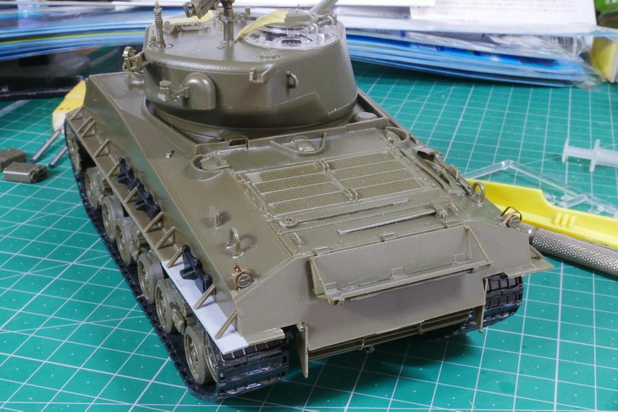 M4A3E8 Sherman Easy Eight Aska 1/35 Building