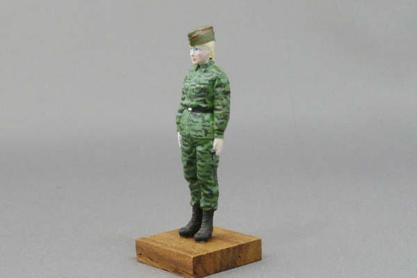 MODERN RUSSIAN TANK CREW MAX FACTORY PLAMAX 1/35 FINISHED WORK