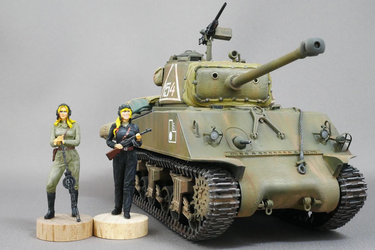 TANK GIRLS SHERMAN TANK M4A2 (76) RED ARMY DRAGON 1/35 FINISHED WORK