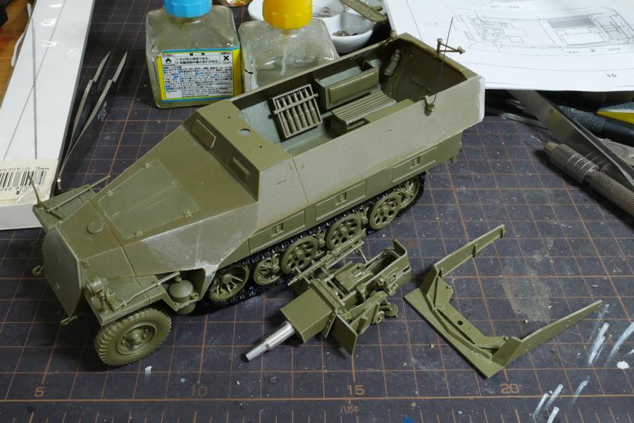 Sd.Kfz.251/9 Ausf.D KANONENWAGEN AFV CLUB 1/35 PAINTING