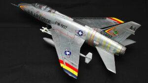F-100F スーパー・セイバー トランペッター 1/48 組立と塗装・製作記・完成写真