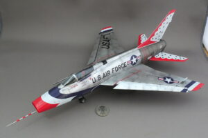 F-100D スーパーセイバー サンダーバーズ トランペッター 1/48 完成写真