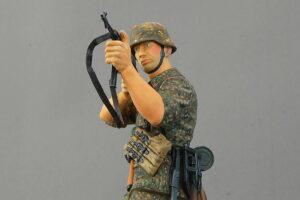 ドイツ軍歩兵 迷彩野戦服 タミヤ 1/16 組立と塗装・製作記・完成写真