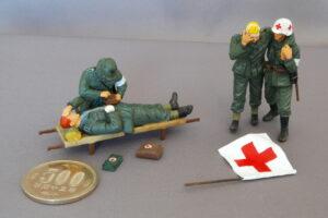ドイツ軍衛生兵 ドラゴン 1/35 衛生兵は赤十字のマークを表示