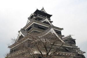 熊本城は日本三大名城。2016年春の震災で破損がひどいとのこと。