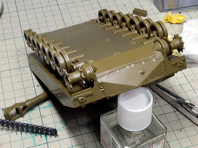 M109A6 パラディン イタレリ 1/35 車体前面は6つの突起物を切り飛ばしました