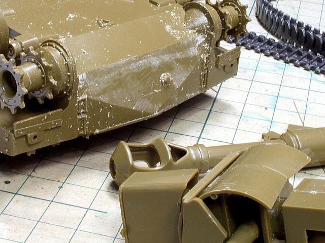 M109A6 パラディン イタレリ 1/35 伸ばしランナーをパテ代わり