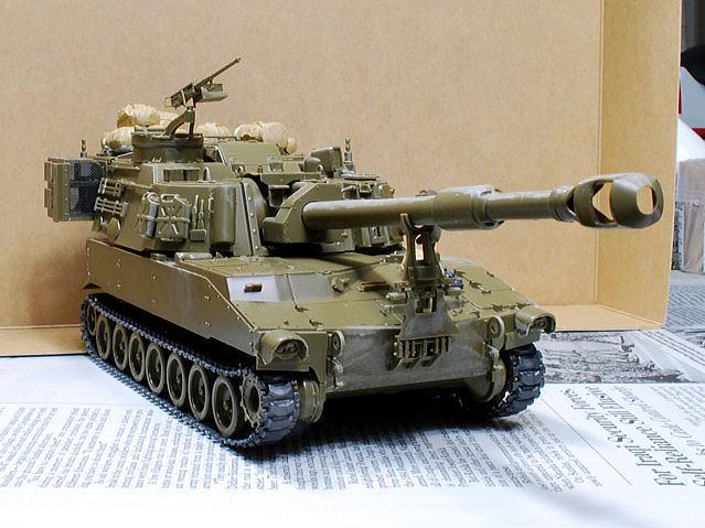 M109A6 パラディン イタレリ 1/35 キャタピラは0.8mmの真鍮線で下方にテンションを掛けた