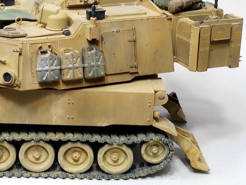 M109A6 パラディン イタレリ 1/35 ポリタンクは水用で黒色