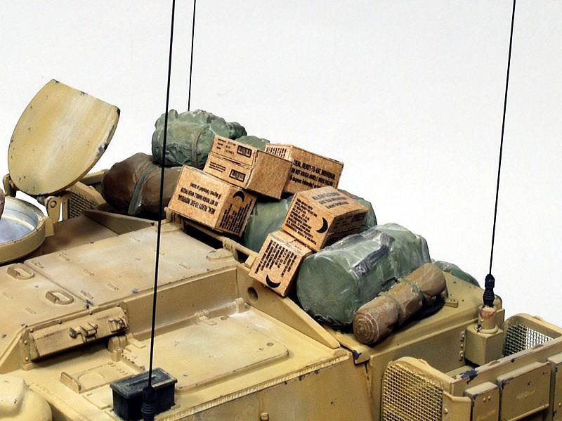 M109A6 パラディン イタレリ 1/35 コンバットレーションカートンの山積みと現用車両装備品セット