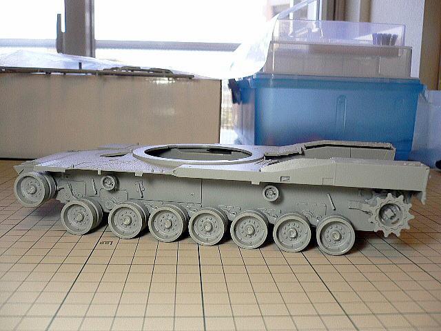 M1A1エイブラムス AIM ドラゴン シャーシ組立