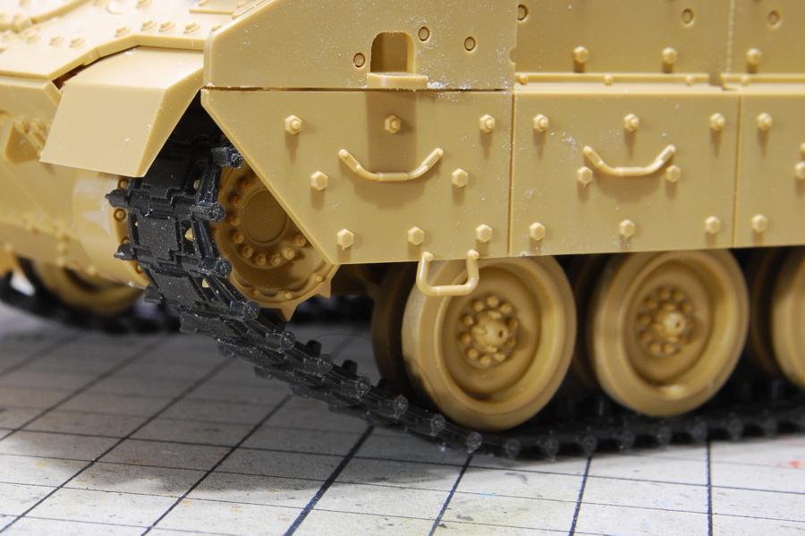 M2A2ODS ブラッドレー タミヤ 1/35 連結キャタピラではなくとも十分に及第点