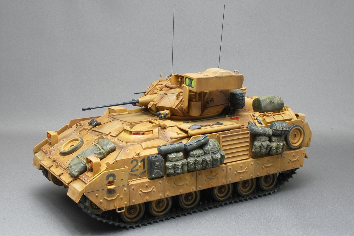 M2A2ODS ブラッドレー タミヤ 1/35 完成写真 アルミ合金製車体
