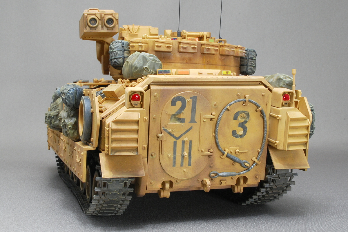 M2A2ODS ブラッドレー タミヤ 1/35 完成写真 イラク戦争バグダッド南方ヒンディヤに展開中の第3機械化歩兵師団
