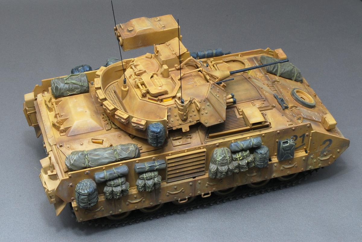 M2A2ODS ブラッドレー タミヤ 1/35 完成写真 アメリカ軍の車両なのに星のマークが無い