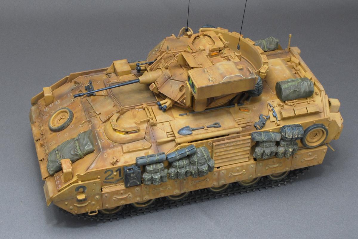 M2A2ODS ブラッドレー タミヤ 1/35 完成写真 砲塔の増加装甲