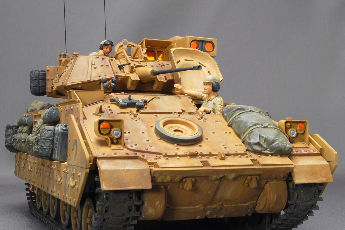 M2A2ODS ブラッドレー タミヤ 1/35 完成写真 フィギュア