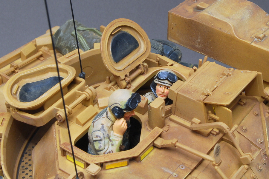 M2A2ODS ブラッドレー タミヤ 1/35 完成写真 ブラッドレー戦車兵 タミヤ 1/35