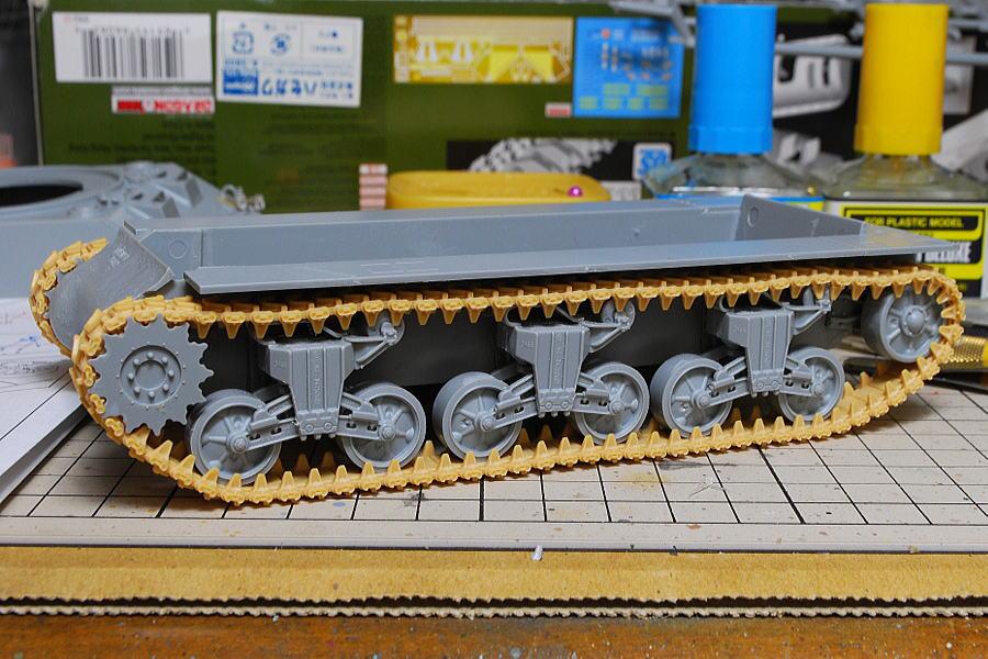 M4A2シャーマン戦車 ドラゴン 1/35 全体的に重量感が出るよう
