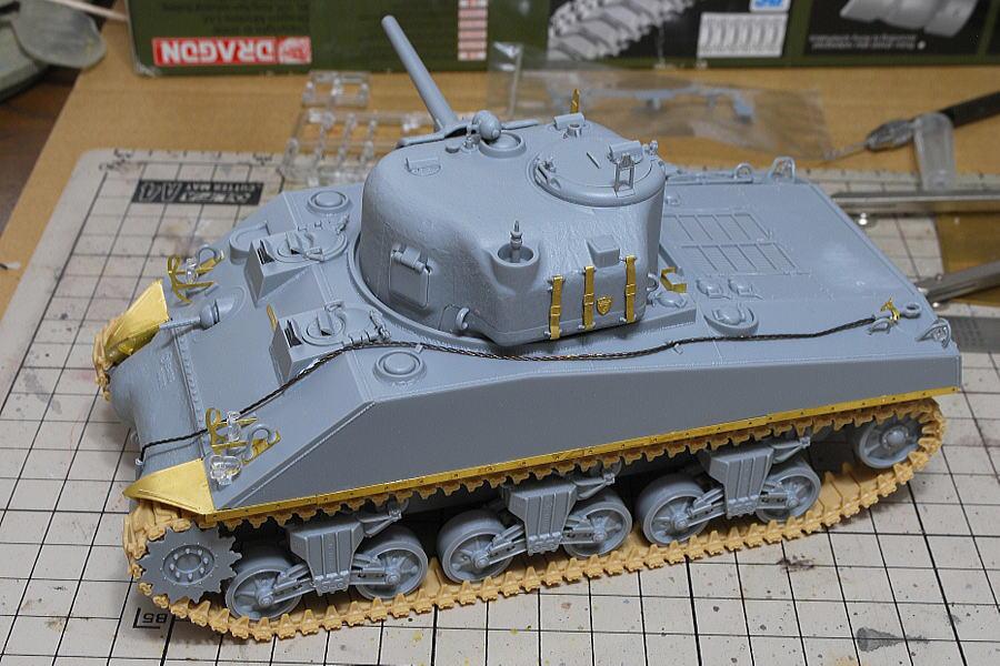 M4A2シャーマン戦車 ドラゴン 1/35 ベルト3本のエッチングパーツ