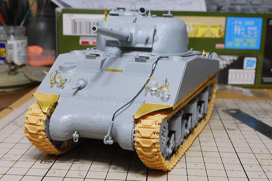 M4A2シャーマン戦車 ドラゴン 1/35 ヘッドライト