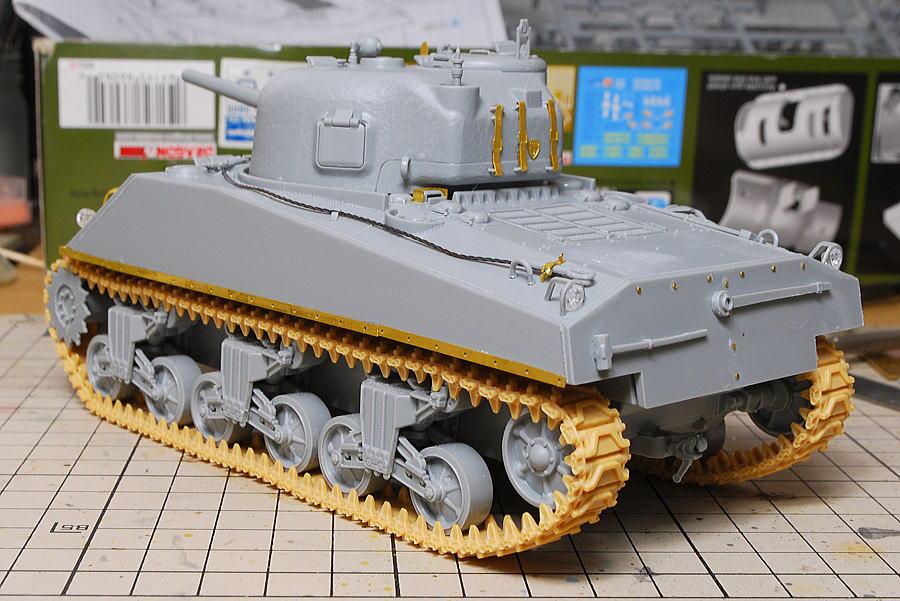 M4A2シャーマン戦車 ドラゴン 1/35 リベット後部装甲