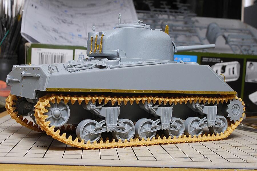 M4A2シャーマン戦車 ドラゴン 1/35 側面
