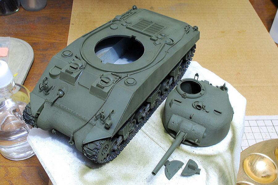 M4A2シャーマン戦車 ドラゴン 1/35 タミヤアクリルのオリーブドラブ