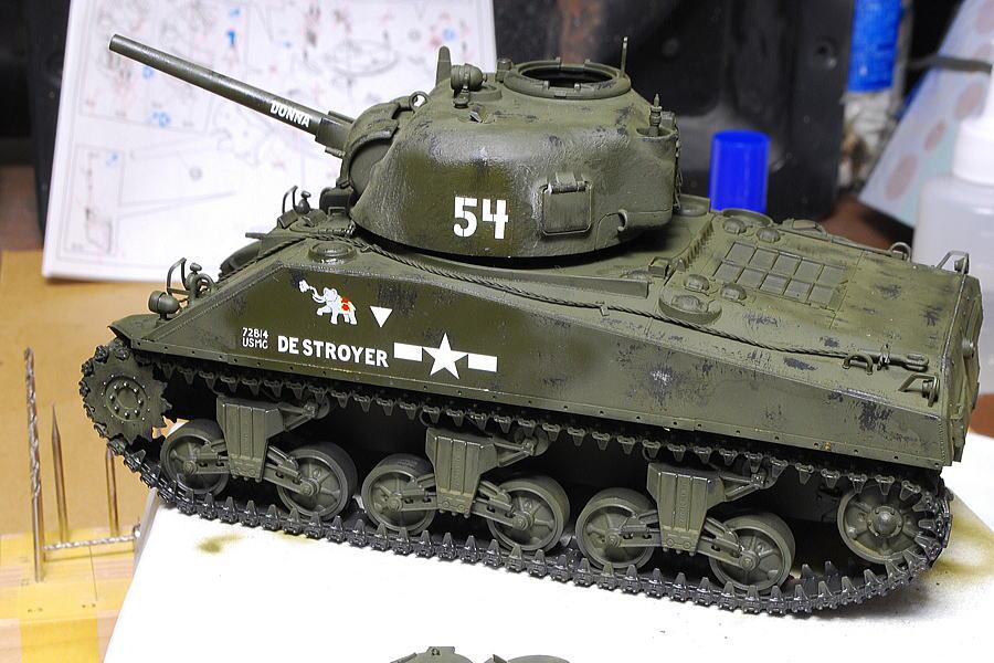 M4A2シャーマン戦車 ドラゴン 1/35 デカール貼り