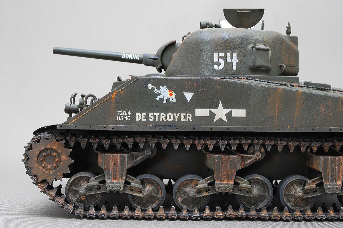 M4A2シャーマン戦車 ドラゴン 1/35 完成写真 米軍第二海兵師団第1海兵水陸両用機甲大隊D中隊の所属車両