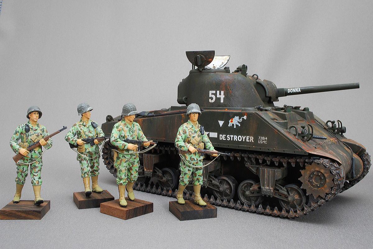 M4A2シャーマン戦車 ドラゴン 1/35 完成写真 迷彩服のアメリカ軍歩兵