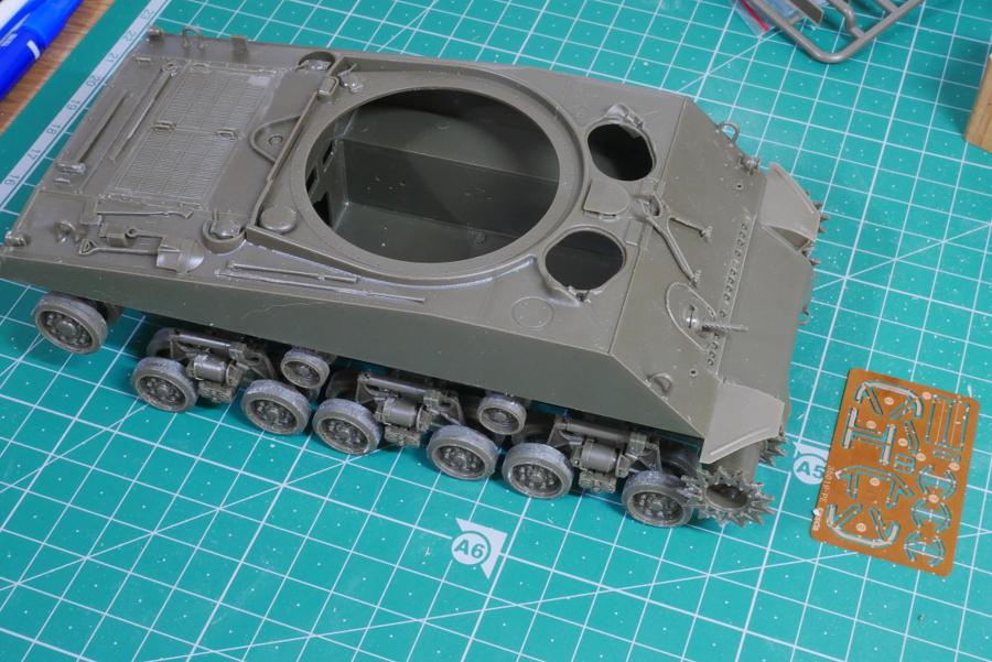 M4A3E8 シャーマン イージーエイト アスカ 1/35 組立