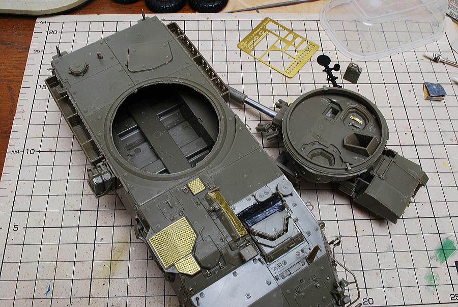 M1128 MGSストライカー AFVクラブ 1/35 小さな砲塔と本体の噛み合わせが悪い