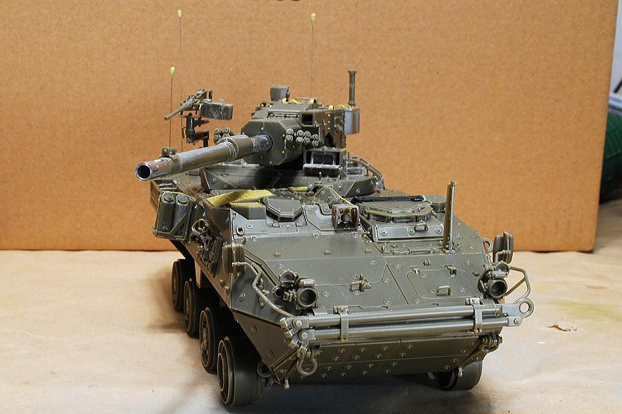M1128 MGSストライカー AFVクラブ 1/35 塗装した後にライト
