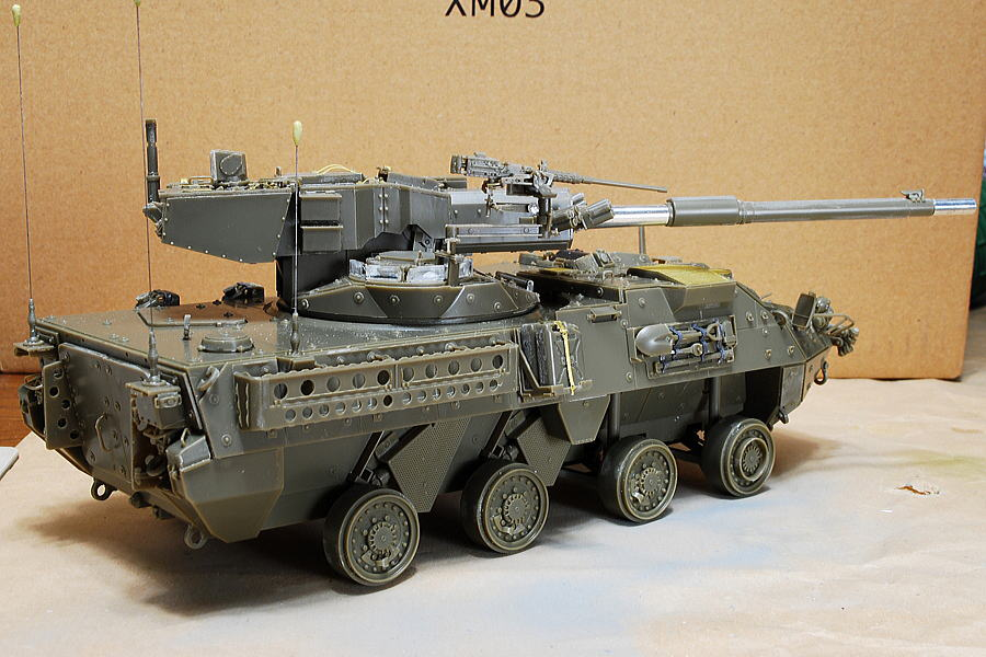 M1128 MGSストライカー AFVクラブ 1/35 スコップやハンマー