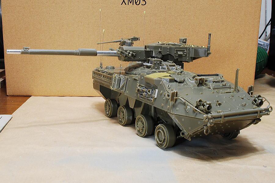 M1128 MGSストライカー AFVクラブ 1/35 タイヤをはめてないMGSストライカー