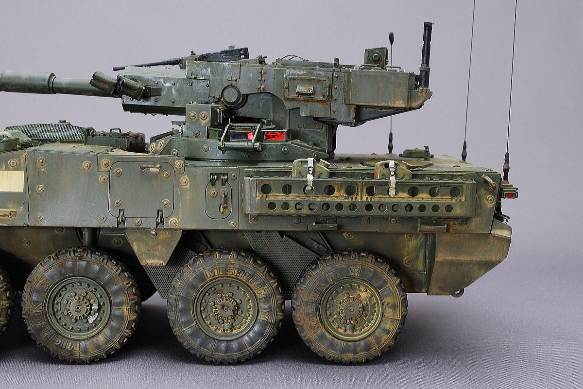 M1128 MGSストライカー AFVクラブ 1/35 完成写真 砲弾は計18発を携行