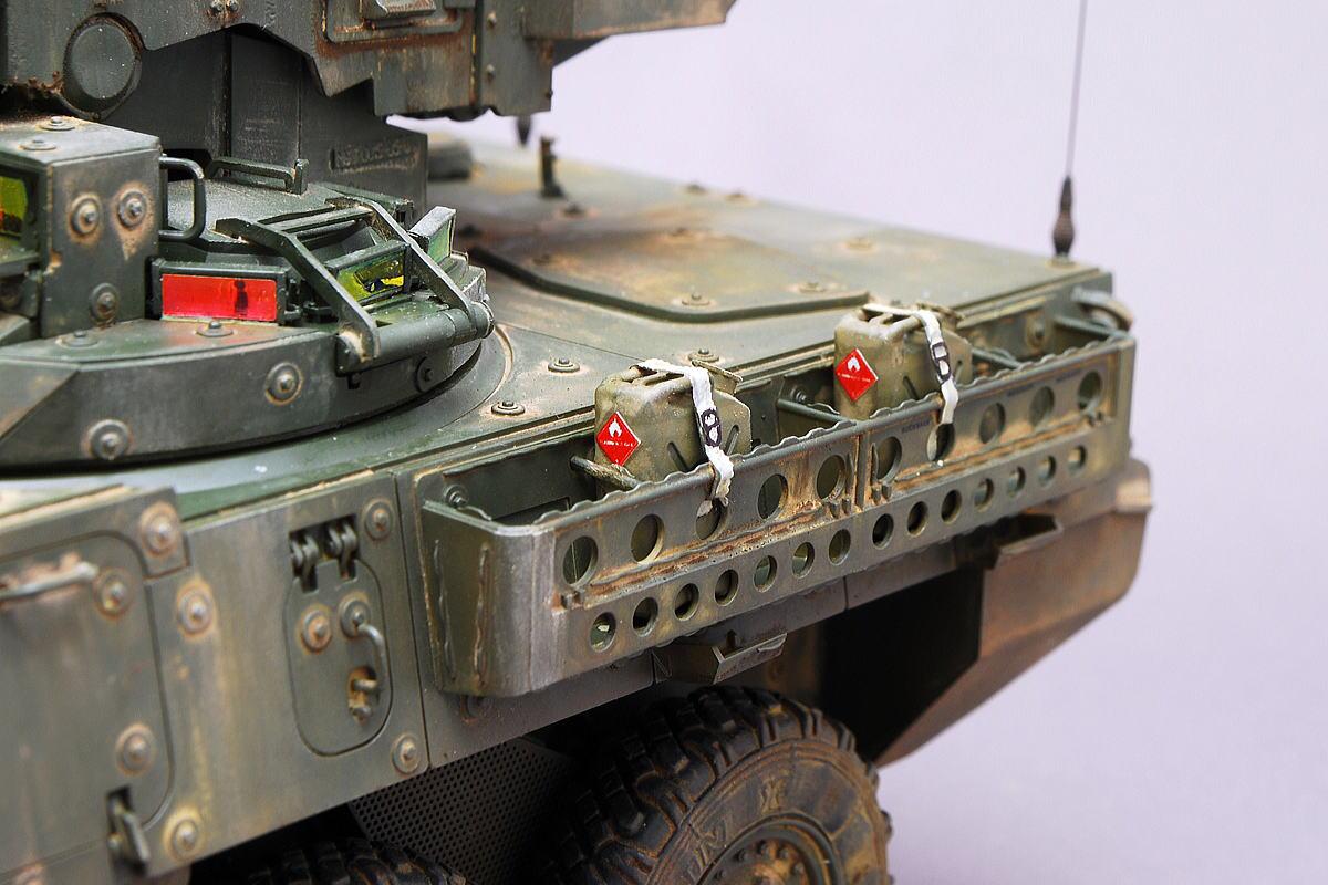 M1128 MGSストライカー AFVクラブ 1/35 完成写真 燃料ジェリカン