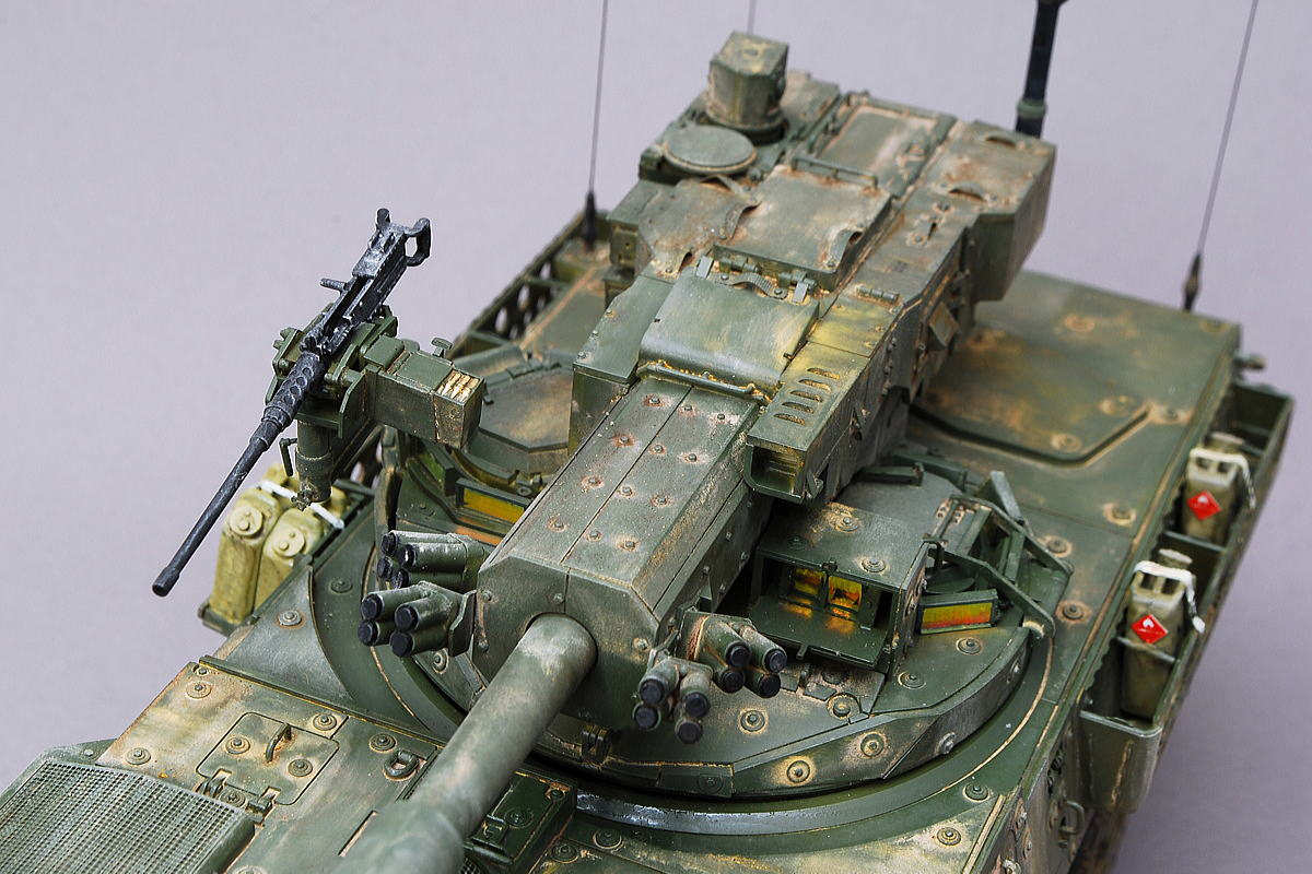 M1128 MGSストライカー AFVクラブ 1/35 完成写真 ペリスコープや照準器