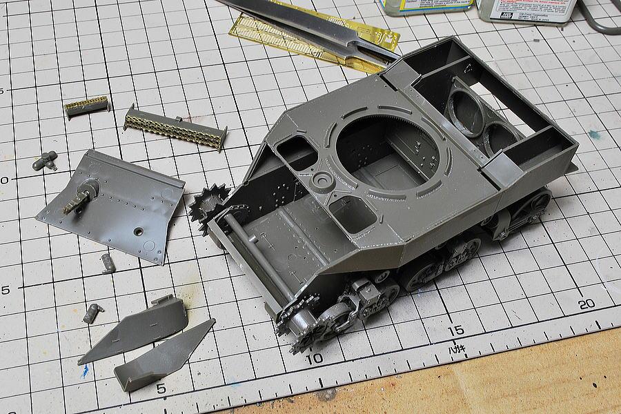 M5A1 スチュアート AFVクラブ 1/35 難しい箱組み