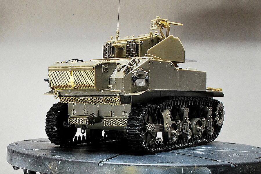 M5A1 スチュアート AFVクラブ 1/35 塗装前の後姿