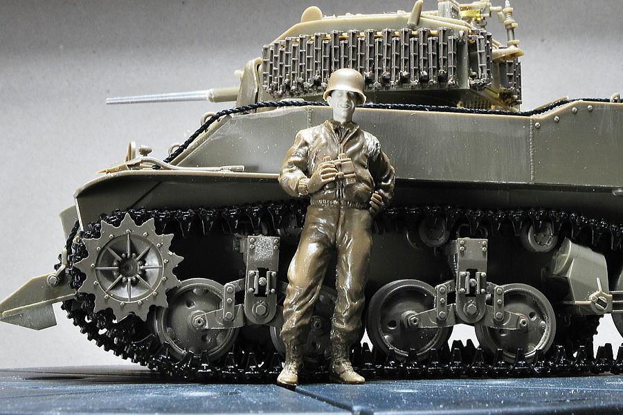 M5A1 スチュアート AFVクラブ 1/35 古いフィギュアにレジンヘッド取り付け