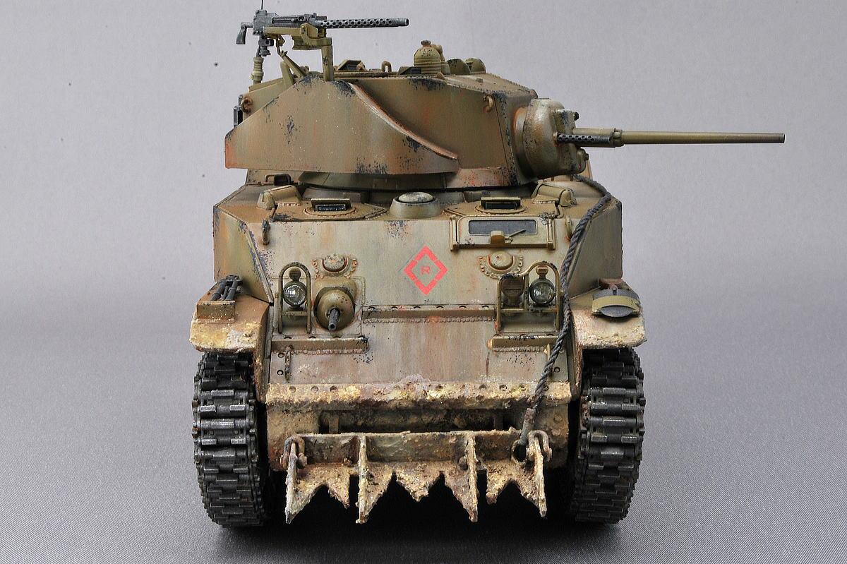 M5A1 スチュアート AFVクラブ 1/35 完成写真 クリアーパーツのヘッドライト