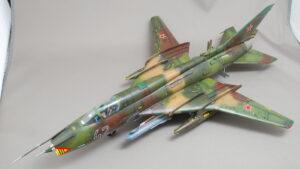 スホーイ Su-17/22M4 フィッター 戦闘爆撃機 セマー 1/48 完成写真