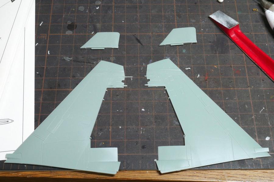 Su-30MK フランカー アカデミー 1/48 組立 垂直尾翼の修正