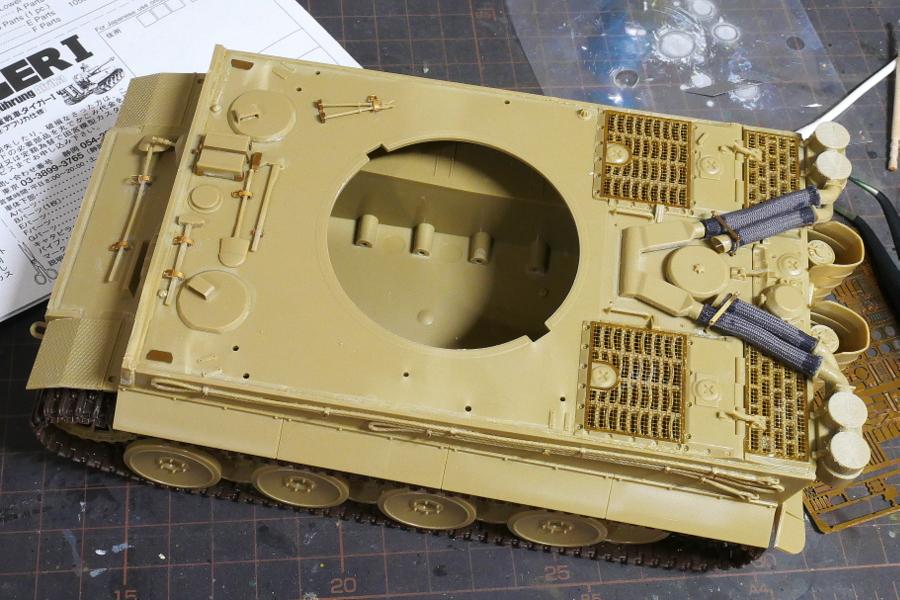 ドイツ重戦車 タイガーI 極初期型 アフリカ仕様 タミヤ 1/35 組立
