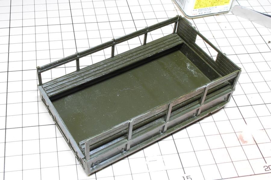 2.5トン カーゴトラック 6 x 6 イタレリ 1/35 荷台の箱組