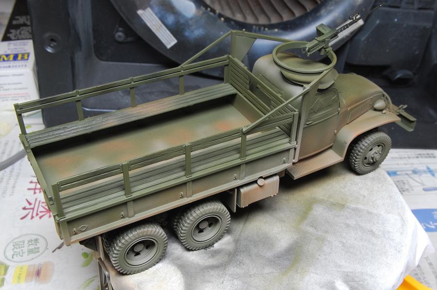 2.5トン カーゴトラック 6 x 6 イタレリ 1/35 全体を水性アクリルのオリーブドラブで塗装