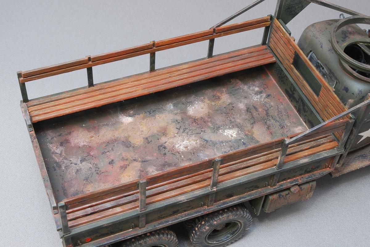 2.5トン カーゴトラック 6 x 6 イタレリ 1/35 完成写真 荷台は泥、錆、ひっかき傷、乾いた泥、埃など